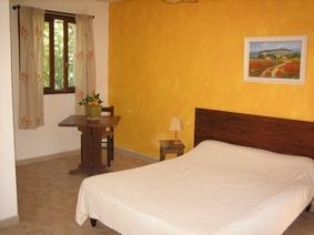 Location de Chambres d'hôtes à Lauris de 1 à 4 personnes